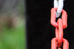 red white (Unikum-HB) Tags: elements chained bremen bürgerpark