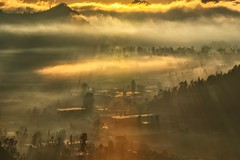 One More Day (Anna Kwa) Tags: sunrise rays pigganvillage mountains kintamani bali indonesia annakwa nikon d750 7002000mmf28 my onemoreday hope time wish light always seeing heart soul throughmylens life journey fate destiny travel world sun warmth