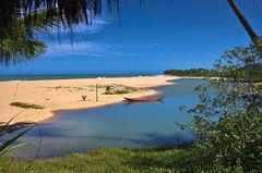 trancoso, Porto Seguro, Bahia (Tayon) Tags: portoseguro trancoso bahia brasil nikon d40 sigma 18250mm sea mar boat barco
