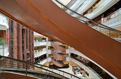 Shanghai - More Spirals (cnmark) Tags: china shanghai huangpu district nanjing east road daimaru mall interior architecture modern shiny spiral escalators rolltreppen 新世界大丸百货 中国 上海 黄浦区 南京东路 ©allrightsreserved