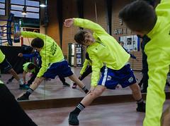 7728 - Stretching (Diego Rosato) Tags: stretching mattia allenamento training little boxer piccolo pugile boxe boxing pugilato boxelatina fuji x30 rawtherapee riscaldamento warm up