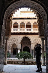 Tour (leewoods106) Tags: alcazar seville spain andalusia southernspain europe southerneurope archway archways architecture oldcity beautifulcity history historiccity moors