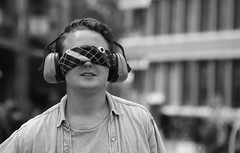 Hear No See No (Photographer : Hans Stellingwerf) Tags: amsterdam streetphotography street nederland netherlands holland mensen people straatmoment straat straatfotografie straatportret streetportrait man music muziek