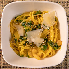Butternut squash pasta with cannellini beans (Tom Ipri) Tags: canoneos5dmarkiv pasta diningin