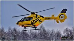 Christoph 40 heute auf der Autobahn A8 bei einer Massenkarambolage mit 11 Fahrzeugen und 18 Verletzten im Einsatz. (kl_pictures) Tags: airrescue rettungshubschrauber chx40 christoph40 adacluftrettung eurocopter sigma150600 nikond7200 hems helicopter a8 dhbya einsatz notarzt airambulance günzburg allshoots helispotter heliporn helikopter adac adacshare unfall autobahn massenkarambolage luftrettung augsburg