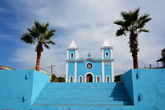 Eglise Sao Felipe ile de Fogo _4974 (ichauvel) Tags: église church saofelipe iledefogo capvert caboverde afrique africa voyage travel bleu blue palmiers palmtrees exterieur outside marches stairs getty