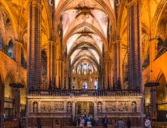 La Catedral de la Santa Creu i Santa Eulàlia / Barcelona (casimero) Tags: barcelona griii ricoh kathedrale kirche gr3