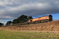 DBC 66099 stabled at Lunan (60044) Tags: inverkeilor scotland flickr photo photography engineering works t3 possession rerail resleeper ballast train trains class 66 network rail