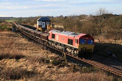 DBC 66055 with 6K23 at Inverkeilor (60044) Tags: inverkeilor scotland flickr photo photography engineering works t3 possession rerail resleeper ballast train trains class 66 network rail