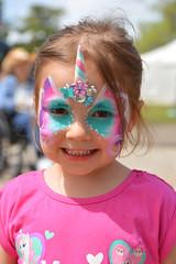 A smiling unicorn (radargeek) Tags: 2019 april norman normanmedievalfaire2019 medievalfair oklahoma facepaint child children kid kids smile unicorn girl