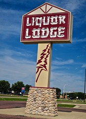 Liquor Lodge, Redwood Falls, MN (Robby Virus) Tags: redwoodfalls minnesota mn liquor lodge store sign signage alcohol booze beer