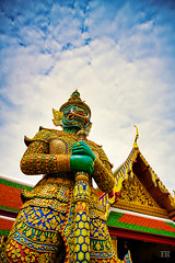 Protector of the Temple (Mr Gold) Tags: thailand bangkok temple watphrakaew emeraldbuddha clouds nikon z7 2470mm f28 nikkor sline