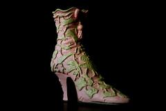 Low key-1035 (EB_Creation) Tags: still stilllife ceramic shoe ceramicshoe nikkor nikond7500 nikon1680mm nikkor1680mmf284evr 1680284eifedvr