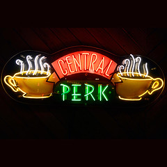 E5C7MK (dianahan1) Tags: warner bros studio television friends perk central burbank los angeles usa prop tourism tour sign signage neon