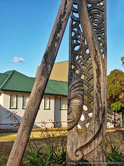 Russelll long face carving outside museum (Julie V. Simpson Photographer) Tags: russell russellnewzealand bayofislands beautifulplace amazingview instadaily instagram instanature picoftheday photographer naturelovers fantastic amazing beautifulworld beautifulview bestoftheday newzealand