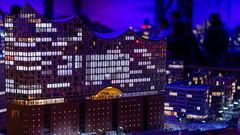 Miniatur Wunderland Hamburg - Elphi bei Nacht (Chiller_46) Tags: festbrennweite prime nikon sigma art 40mm offenblende miniatur wunderland hamburg germany deutschland speicherstadt d7500