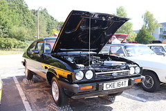 Ford Capri 2.0 S CKE164T (Andrew 2.8i) Tags: s 20 2000 2000s 20s mk3 mk 3 iii mark liftback hatchback hatch coupe sportscar sports ford capri show uk surrey weybridge track circuit brooklands 50th anniversary cke164t