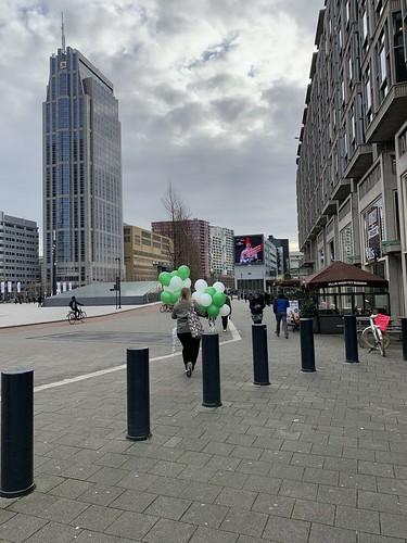Heliumballonnen Groot Handelsgebouw Engels Rotterdam
