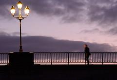 sur le pont. (desclousetdesidees) Tags: nuit pont street