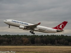 Turkish Airlines TC-JNA (TO) 01 OMD (U. Heinze) Tags: aircraft airlines airways airplane haj hannoverlangenhagenairporthaj planespotting plane flugzeug eddv olympus omd em1markii 12100mm