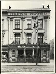 The Crown Liquor Saloon, Belfast, 1951 (Public Record Office of Northern Ireland) Tags: crown crownliquorsaloon belfast proni bar pub publichouse