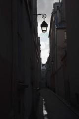 Rue de Nevers (Gerard Hermand) Tags: 2001172232 gerardhermand france paris canon eos5dmarkii ruelle alley reverbere streetlight ciel sky
