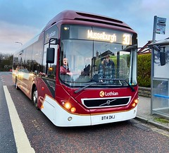 Photo of Lothian (BT14 DKJ - 19) is operating the 30 to Musselburgh, seen here at Stevenson Road.