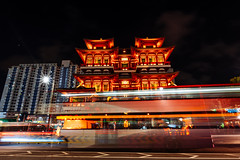 Chinatown, Singapore (酷哥哥) Tags: chinatown singapore lep long exposure photography bus light trails buddha tooth relic temple banda