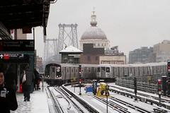 A Snowday Favorite (CrispyBassist) Tags: railroad railway train track transit subway elevated newyork newyorkcity newyorkcitysubway newyorkcitytransit nyc nyct nycta brooklyn jamaicaline