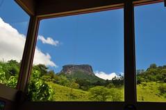 Through the window (Ruby Augusto) Tags: pedradobaú janela window nevens clouds céu sky