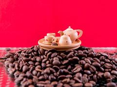 Wer mahlt die Kaffeebohnen (Günter Hentschel) Tags: kaffee kaffeebohnen dieanderenbilder verrücktebilder verrückt deutschland germany germania alemania allemagne europa nrw 1 2020 januar januar2020 hentschel flickr hentschelgünter nikon nikond5500 d5500 lebensmittel