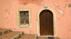 IMG_7534 - al borgo antico (molovate) Tags: borgo porta finestra tafme scale vecchio volate