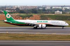 EVA Air   Boeing 787-9   B-17882   Taipei Taoyuan (Dennis HKG) Tags: aircraft airplane airport plane planespotting staralliance canon 7d 100400 taipei taiwan taoyuan rctp tpe b17882 evaair eva br boeing 787 7879 boeing787 boeing7879 dreamliner
