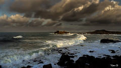 Vague déferlante . (Herbé) Tags: bretagne brittany borddemer vague wave sea seaside seascape littoral
