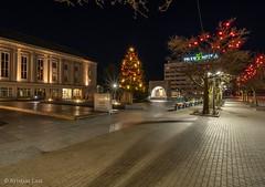Pärnu Rüütli plats (BlizzardFoto) Tags: rüütliplats rüütlisquare plats square jõulupuu christmastree jõulukuusk jõulutuled christmaslights jõulukaunistused christmasdecorations jõuluvalgus pärnu visitpärnu visitestonia longexposure nightphotography sonya7iii sony1224f4g