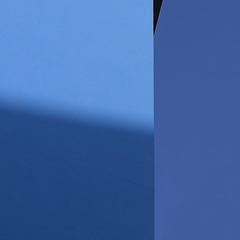 centre for life: blue (caeciliametella) Tags: lorrainekerr photography caeciliametella newcastleupontyne centreforlife abstract astratto urban urbano quadrato square 11 blue blu genetics
