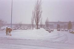 (Yutaka Seki) Tags: ricohff9 cameratest firstroll fujicolorsuperiaxtra400 expiredfilm homedeveloped analogue unicolorpresskit pakonf135 snow winter snowing britishcolumbia richmondbc