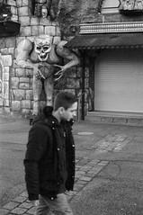 Analog Photo Walk (Meergraf) Tags: analogfilm analogphoto photowalk kodakfilm minolta xe1 blackandwhite viennaonfilm filmisnotdead prater wien vienna 2020 streetphotography streetview homelab homedevelopedfilm photooftheday streetsofvienna austria maximilian meergraf schwarzweiss fun park