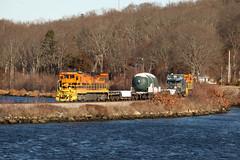 Mill Cove (JaiJad) Tags: ledyard ct providenceworcester ge dodx dodextra train railroad