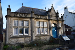 Calne Library (hugh llewelyn) Tags: calnelibrary