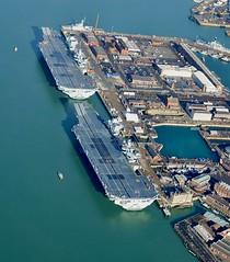 RX301089 (Andy Amor) Tags: warships flightdecks docks basin dockyard hmnb rn p q r08 r09 p223