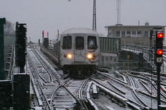 Snowday (A) (CrispyBassist) Tags: railroad railway train track transit newyork newyorkcity nyc newyorkcitysubway newyorkcitytransit subway elevated nyct nycta