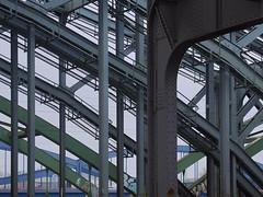 Steel colours (Ulrich Neitzel) Tags: bridge brücke construction elbbrücken lines linien mzuiko1240mm metal metall olympusem1 stahl steel