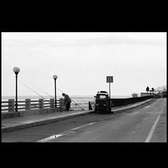 mattina presto, mare adriatico (2019) (Zabbio) Tags: olympusom1 fujineopan1600 analogic rodinal developedathome expiredfilm gargano puglia italy