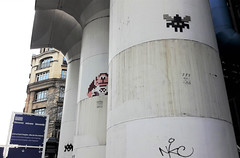 3 Space invaders together in Paris 4th: from left to right PA_109 - PA_1081 and PA_587 (Sokleine) Tags: spaceinvader invader trois three 3 drei streetart artderue arturbain colonnes urbanart beaubourg museum pompidou musée modernart paris 75004 france