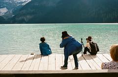 Tourists - Lake Moraine (mikedaddy) Tags: film ishootfilm kodak portra400 kodakportra400 filmisnotdead leica leicam6 m6 voigtlander 50mm14 voigtlander50mm14