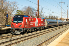 20-312 (George Hamlin) Tags: maryland oidenton railroad passenger train amtrak northeast regional atk 155 overhead electric catenary commuter station platform siemens acs64 sprinter locomotive 606 cocacola holiday season wrap polar bear red photodecor george hamlin photography