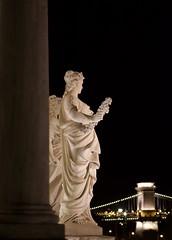 ... (AlainC3) Tags: statues hongrie hungary pontdeschaines budapest soir night bridge nikond7500 afmicronikkor60mmf28d