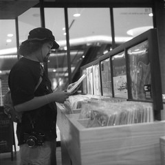 """Looking the Beatles LP's, Track HELP!"""" (A N O L O G I . M A L A Y A) Tags: 120mmfilm mediumformat hc110 selfdeveloped expiredfilm ultrafinextreme400 bnw keepfilmalive analogphotography analog filmphotography filmisnotdead film rolleiflex35f rolleiflex"""