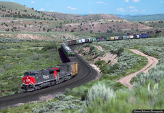 Snaking Through 'The Wiggle' (jamesbelmont) Tags: southernpacific speedlettering dvrom pricecanyon kyune colton ge ac4400cw emd sd40m2 helper train railroad railway locomotive
